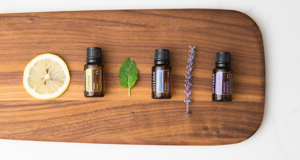 Le kit avec les 3 huiles essentielles Doterra, pour s'initier à l'aromathérapie.
