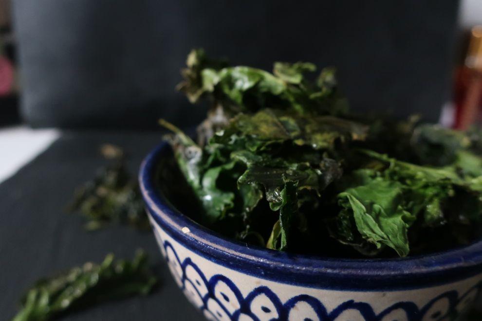 Chips kale, une délicieuse recette pour l'apéritif.