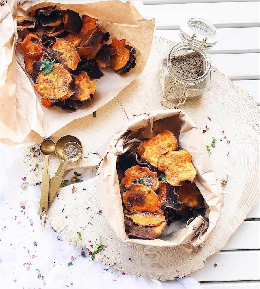 Chips patate douce pour l'apéritif, une idée de recette saine et qui ne fait pas grossir.
