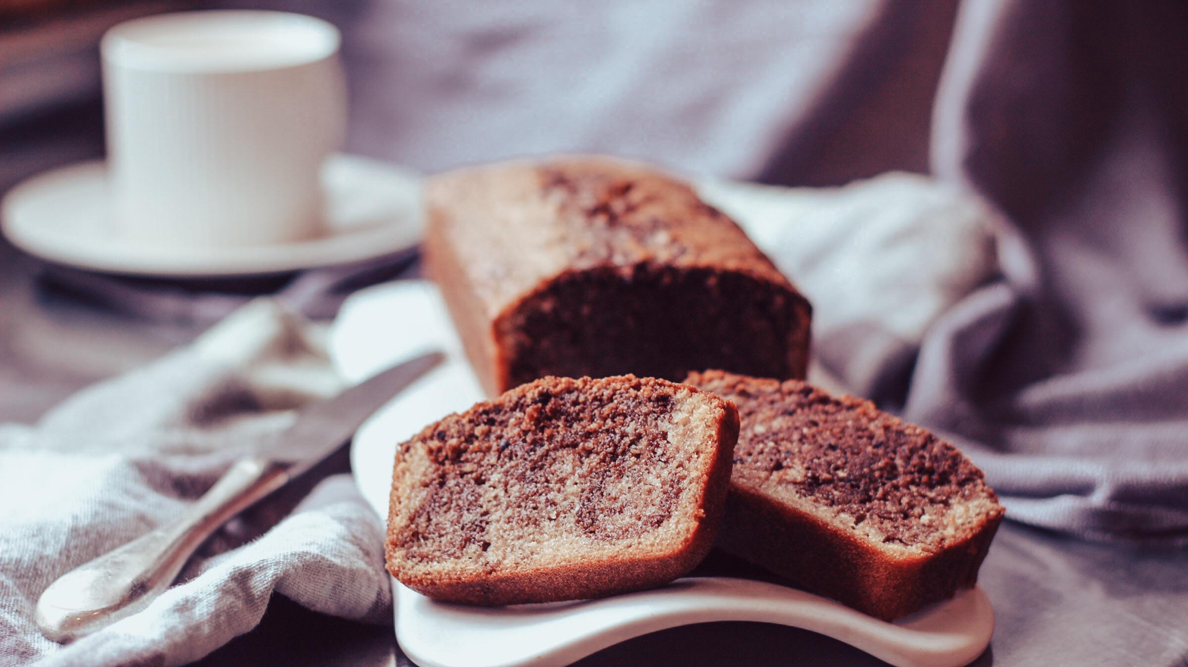 Voici ma recette du cake marbré sans gluten, une touche de chocolat, et moelleux à souhait.