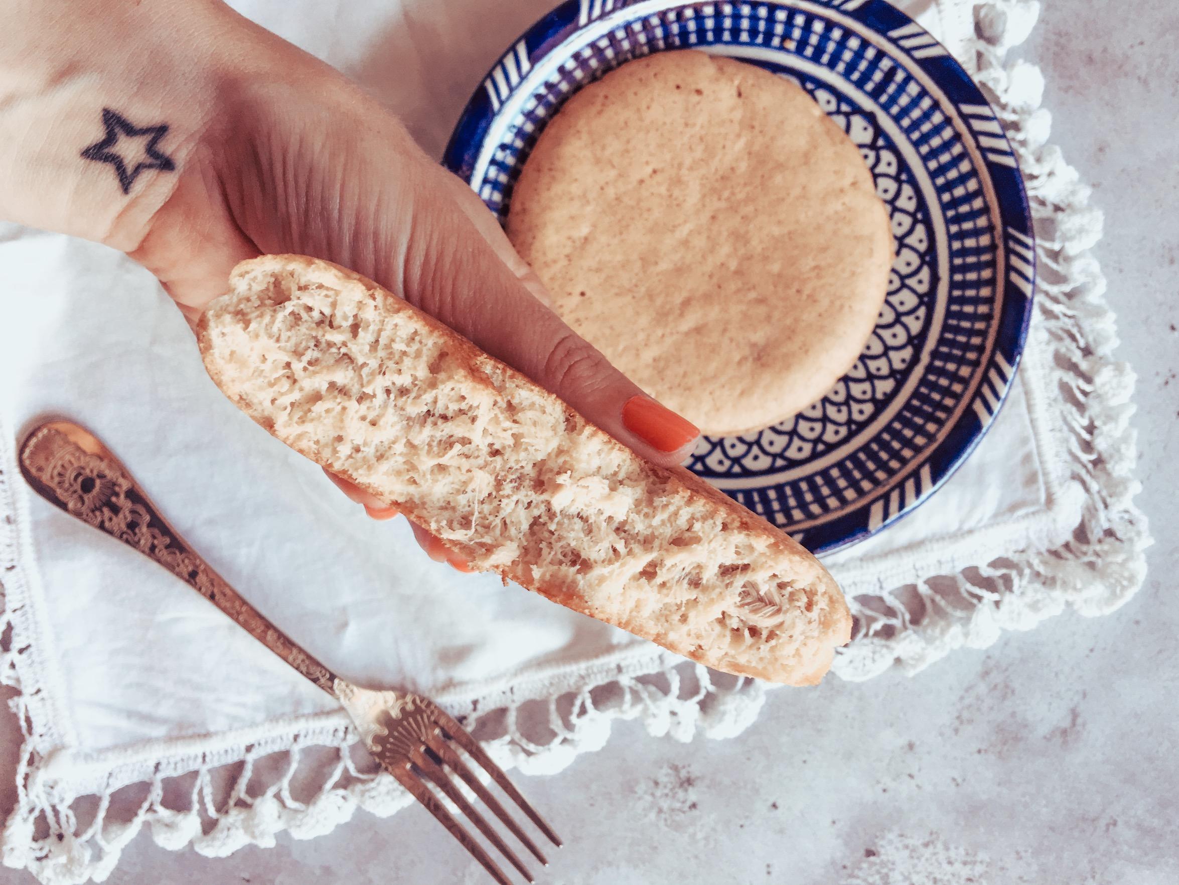 Des pancakes au thon, riche en protéines, c'est un repas équilibré pour toutes celles qui souhaitent garder la ligne. C'est un exemple de plat sain parmi tant d'autres.