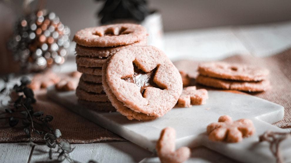 Un grand classique, des sablés de Noel à préparer avec vos enfants, une recette simple et facile.