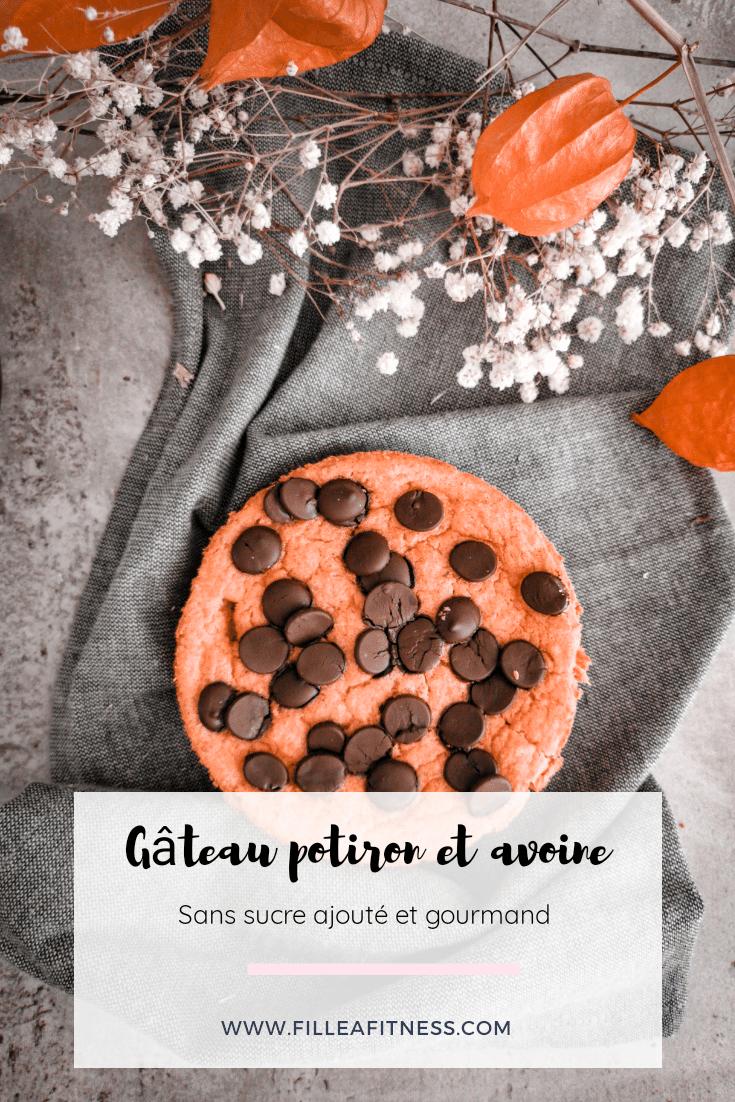 Ce gâteau au potiron, flocons d'avoine et chocolat. Moelleux et délicieux, facile à préparer.